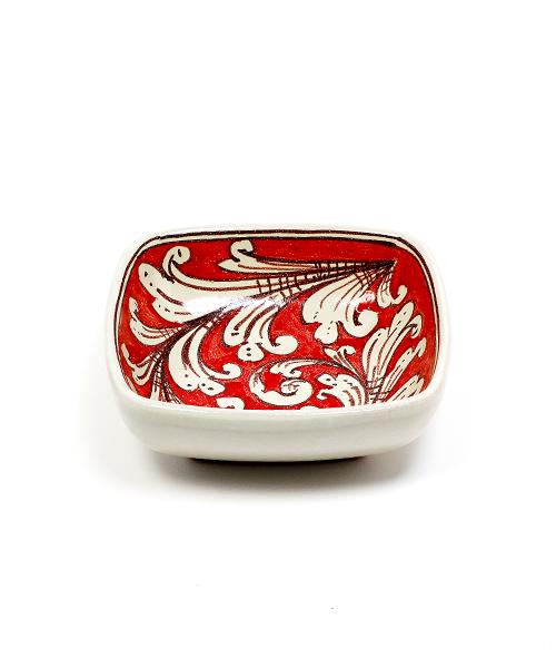 Keramikinė rankų darbo lėkštė raudona